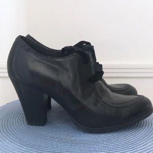 Women's Born Black Oxford Heels